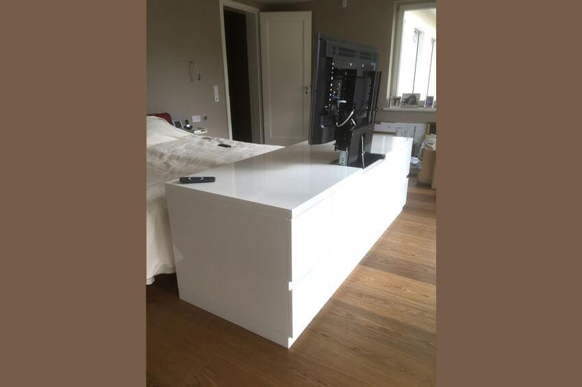 Schlafzimmer und Ankleide - Tischlerei Alt